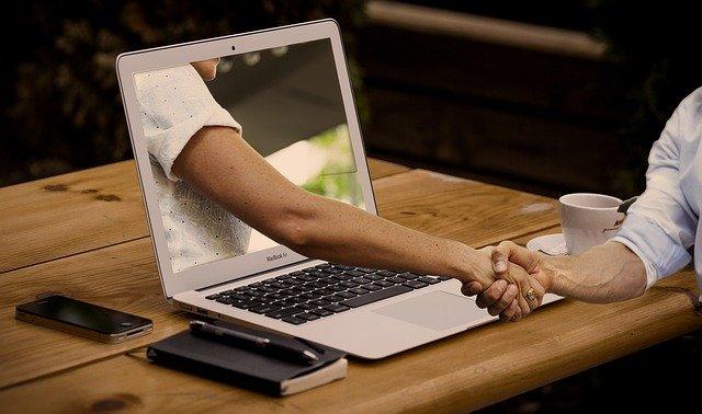 Najlepsze sklepy internetowe – Jakie wybierają rozwiązania?